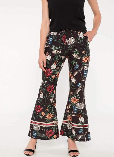 DeFacto Çiçek Desenli İspanyol Paça Saten Pantolon Siyah